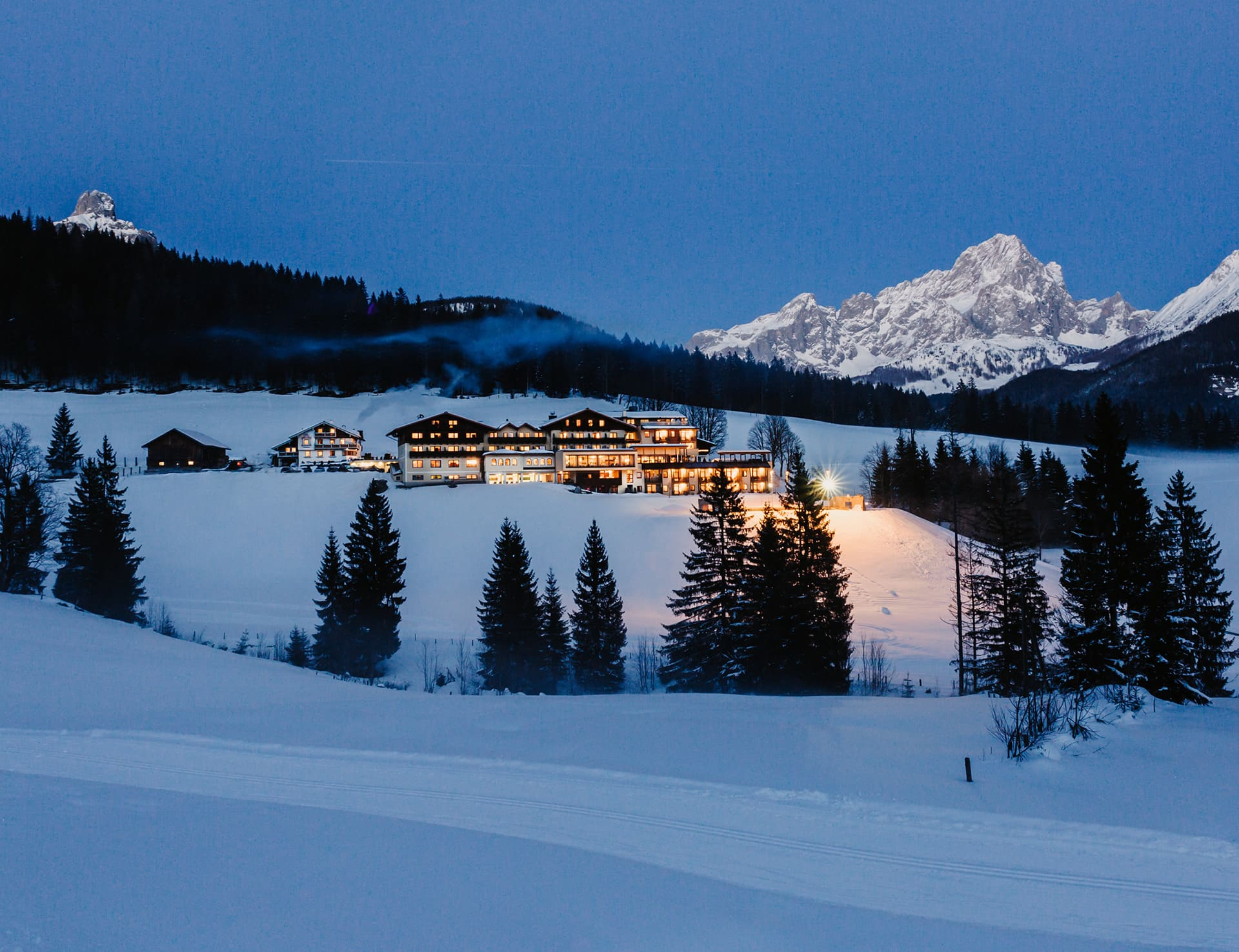 blue hour at the 4 star hotel Neubergerhof at Filzmoos © Selina Flasch